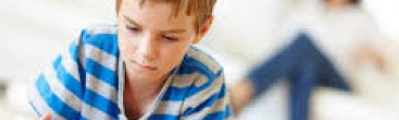 """Τι να κάνετε για να """"ξεκολλήσετε"""" τα παιδιά σας από κινητά και υπολογιστές –"""