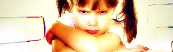 Πώς εκδηλώνει το παιδί το άγχος και το φόβο για το σχολείο;